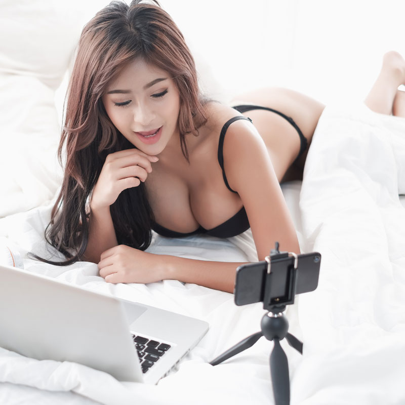 Reasons Why You Should Consider Webcam Modeling